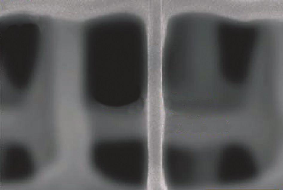 微孔小于90nm厚.jpg